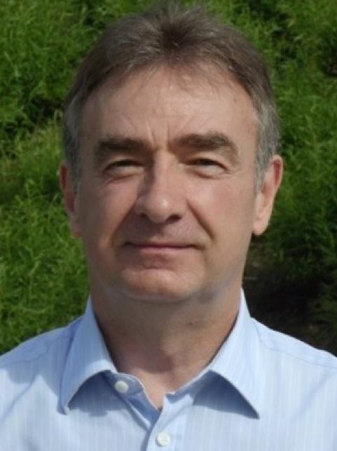 Dr. D. Ángel de la Puerta García-Barroso